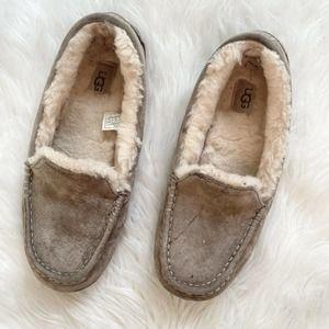 ugg ansley slipper size 9